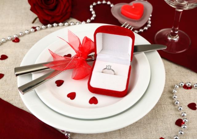 24-Romantic-Valentine's-Day-Engagement-Photo-Ideas13