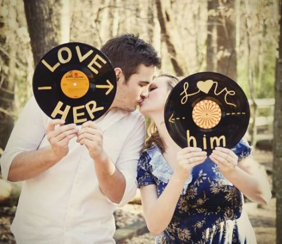 24-Romantic-Valentine's-Day-Engagement-Photo-Ideas19