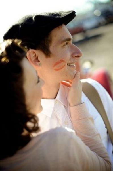 24-Romantic-Valentine's-Day-Engagement-Photo-Ideas24