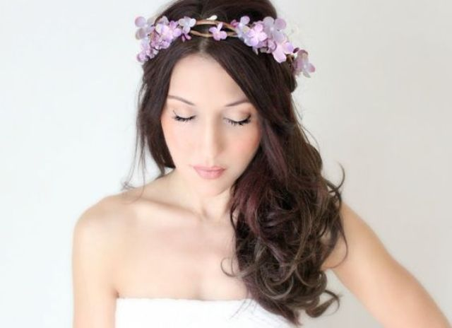 25-Stunning-Spring-Flower-Crown-Ideas-For-Brides14.jpg