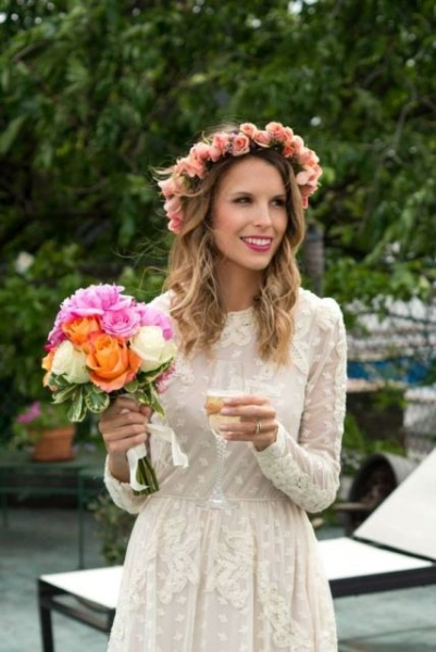 25-Stunning-Spring-Flower-Crown-Ideas-For-Brides7.jpg