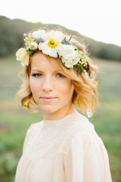 25-Stunning-Spring-Flower-Crown-Ideas-For-Brides9.jpg