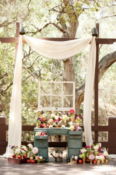 25-beautiful-and-practical-ways-to-use-a-vintage-dresser-in-your-wedding-1-500x750.jpg