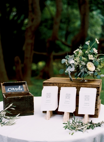 elegant-and-romantic-woodland-wedding-inspiration-2.jpg