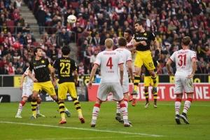 Sokratis+1+FC+Koeln+v+Borussia+Dortmund+Bundesliga+YmErpb6RZSjl.jpg