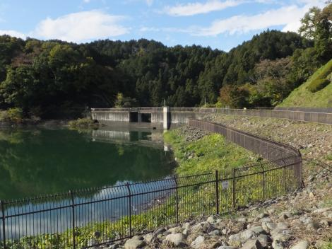 城山湖・余水吐