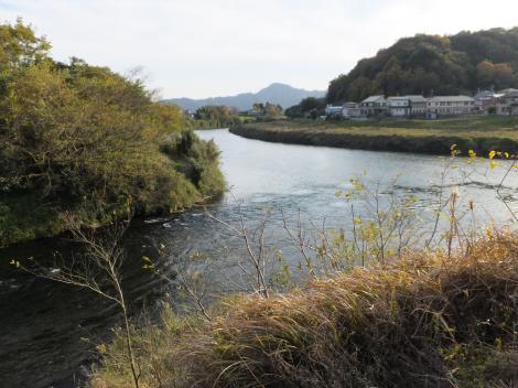 狩野川に合流する柿田川
