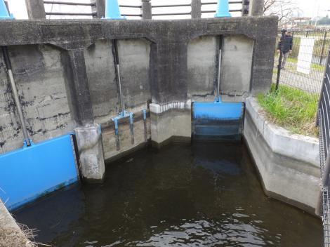 相模川左岸幹線用水路・貫抜制水門