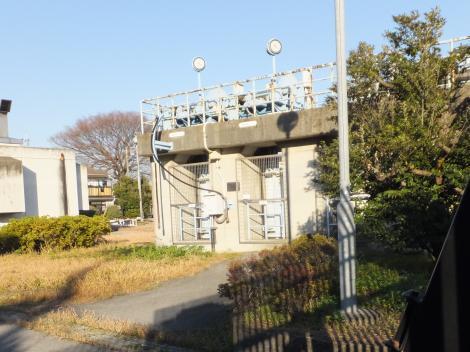 東京都水道局三郷浄水場取水所・導水渠入口ゲート