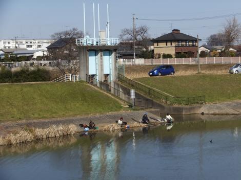 びん沼川の水門・三本木橋付近