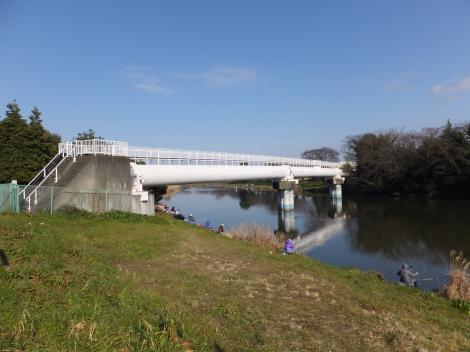 びん沼自然公園・埼玉県企業局水管橋