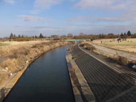 南畑排水機場・排水樋管下流の水路