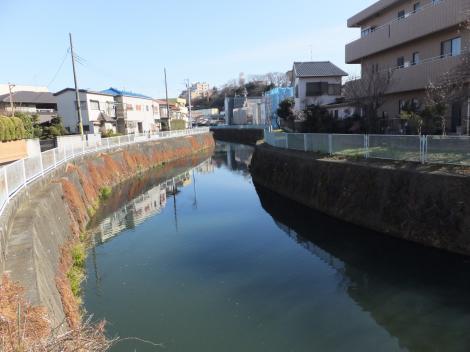 二ケ領用水・久地駅付近