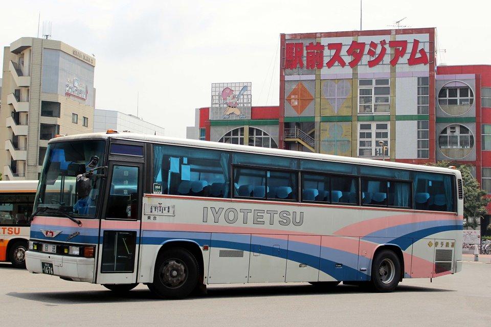 伊予鉄道 か1676