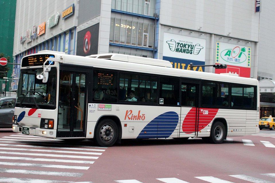 川崎鶴見臨港バス 3037