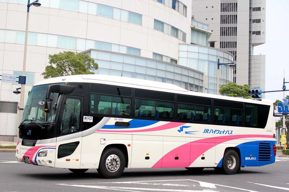 西日本JRバス 641-8982