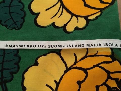 マリメッコ marimekko MAALAISRUUSU マーライスルース VIHKIRUUSU ヴィキルース 手作りクッションカバー クリスマスカラー 北欧インテリア ハンドメイド