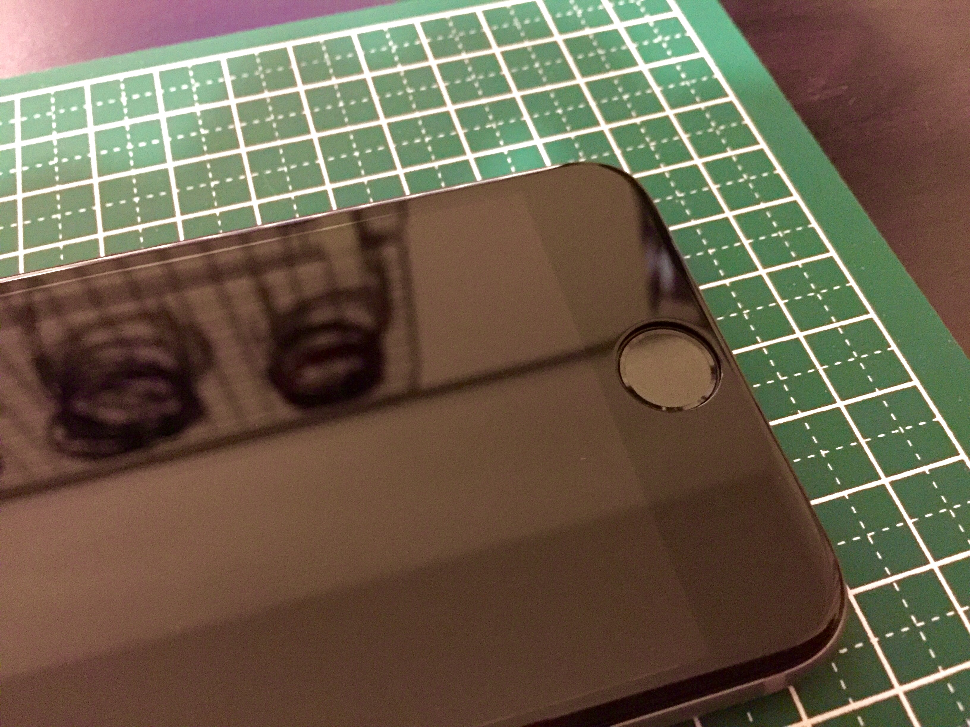 iPhone画面フィルム2
