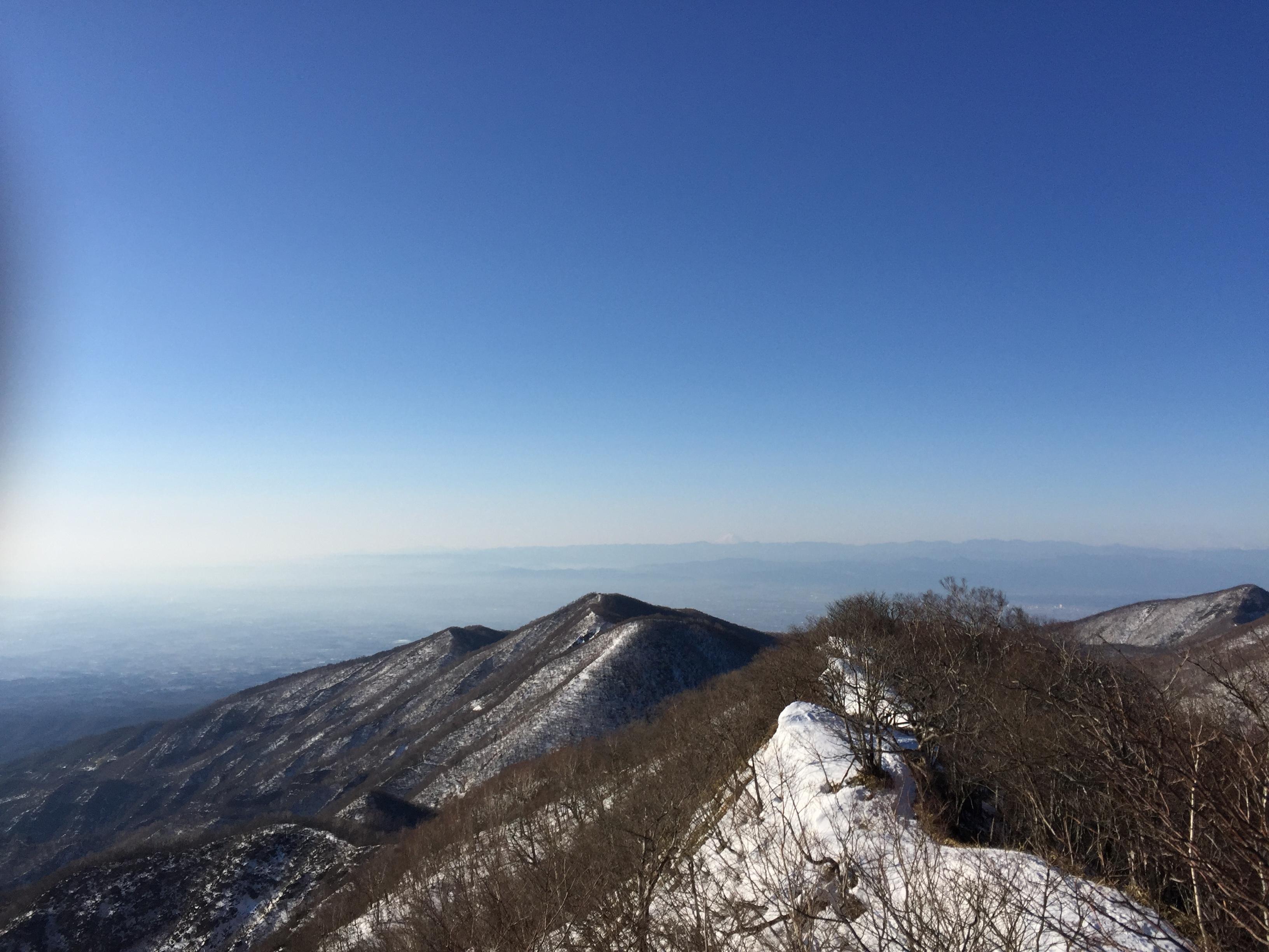 遠くに富士山