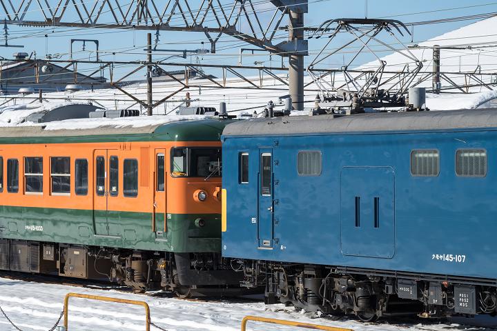 クモヤ145-320s