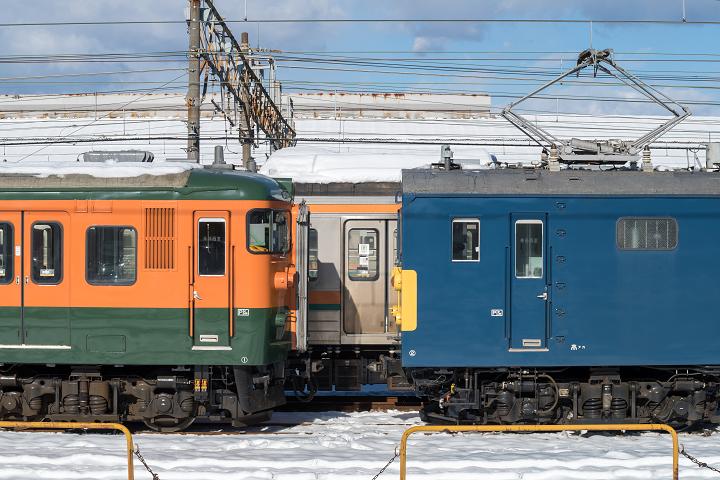 クモヤ145-322s