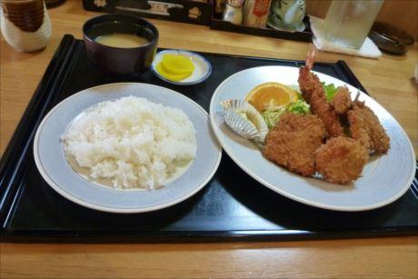 ミックスフライ定食in芦別 とん勝 (4)_R