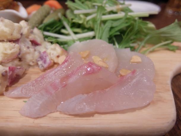 鯛とたいらぎ貝のカルパッチョ