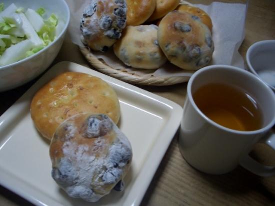 パンづくり(フォカッチャ、黒豆パン)