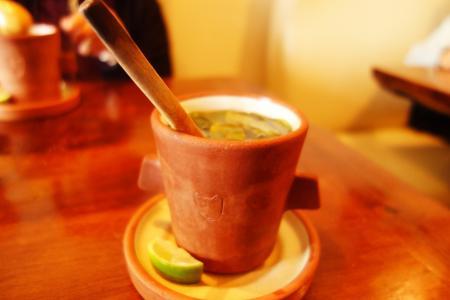クスコにてコカ茶