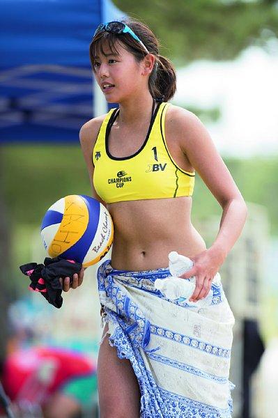 坂口佳穂とかいうビーチバレー界の至宝wwwwwwww