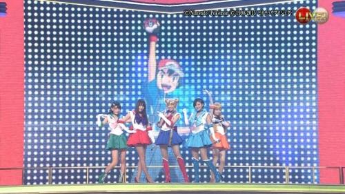 AKB48がセーラームーンのコスプレキタ━━━━(゚∀゚)━━━━!!