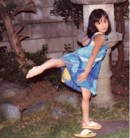 脊山麻理子、幼少時のバレエ姿が「美少女!」