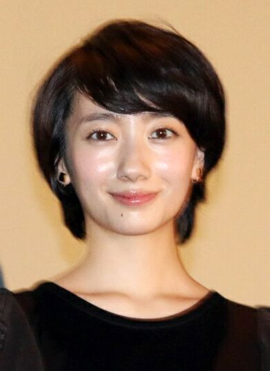 波瑠:嵐・大野智主演の連ドラ「世界一難しい恋」でヒロインに 「嵐にしやがれ」で発表
