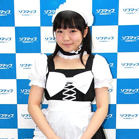 21世紀生まれの女子中学生 見上瑠那(14)がソフマップ