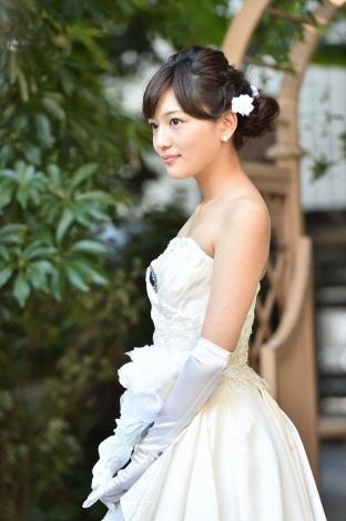 川口春奈、TBS系ドラマ『家族ノカタチ』でウエディングドレス姿を披露