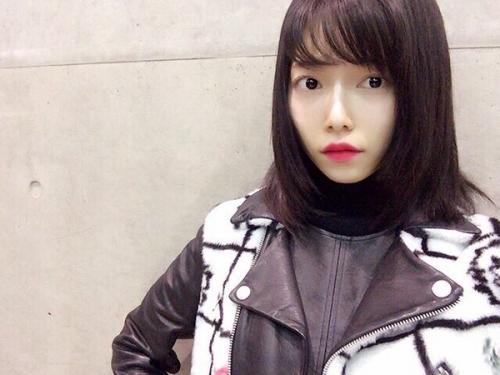 島崎遥香、黒髪カムバックで「やっぱり最高」「美人感が増すね」の声