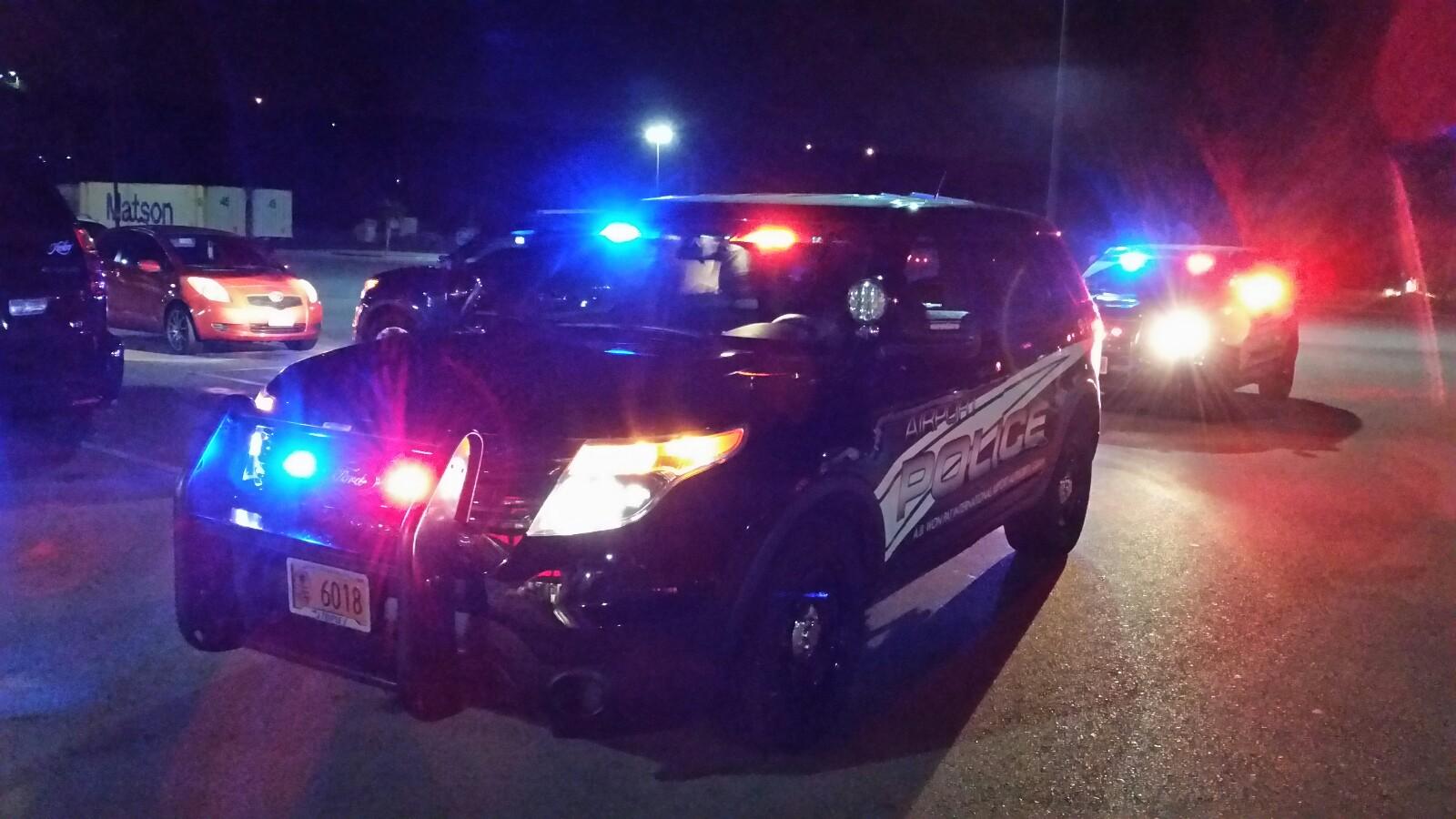 アメリカグアム Airport Police Front