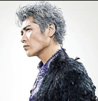 こんなシルバーホワイトな髪色になりたい! 吉川晃司
