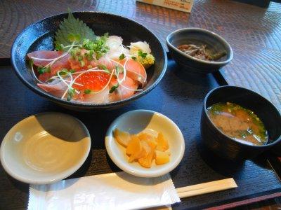 海鮮丼@1,180円
