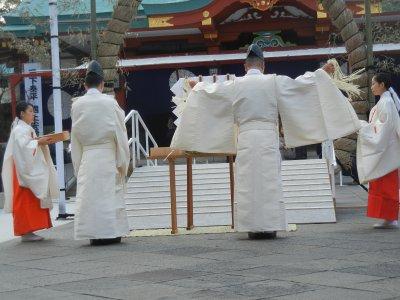 天つ菅麻を本刈り断ち…バラバラ