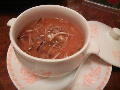 フカヒレ、マッタケ入り茶碗蒸し