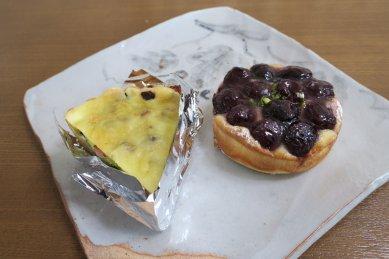 菓子パン・ダークチェリータルト、調理・蓮根と枝豆のキッシュ