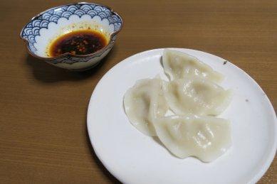水餃子on粉引皿