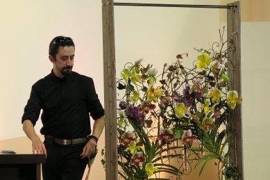 ロバート・ボーニッシュ 飾る蘭
