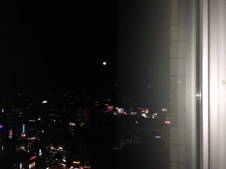 27階からの満月