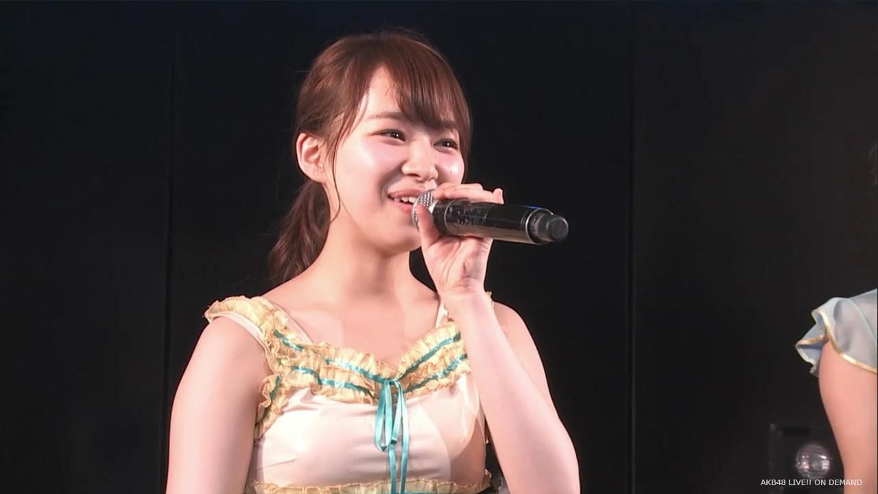 ノーブラで衣装を着たSKE48・小笠原茉由の透け乳首