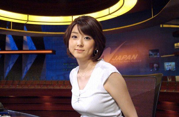 フジテレビ・秋元優里アナの着衣おっぱい
