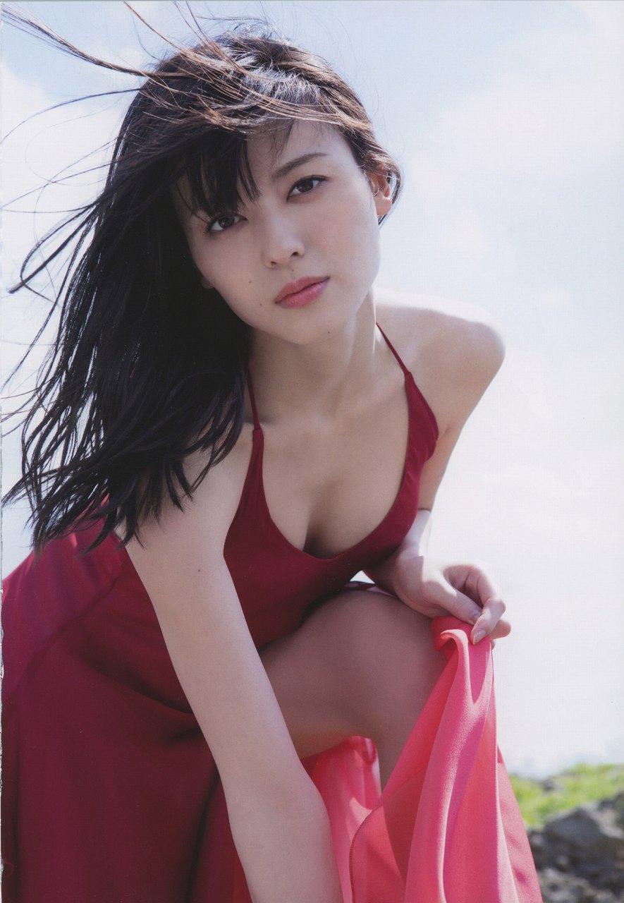 写真集「Nobody knows 23」セクシーなドレスを着た矢島舞美
