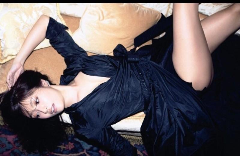 深田恭子の最新写真集「Nu season」画像、セクシーなワンピースで太もも丸出しの深田恭子