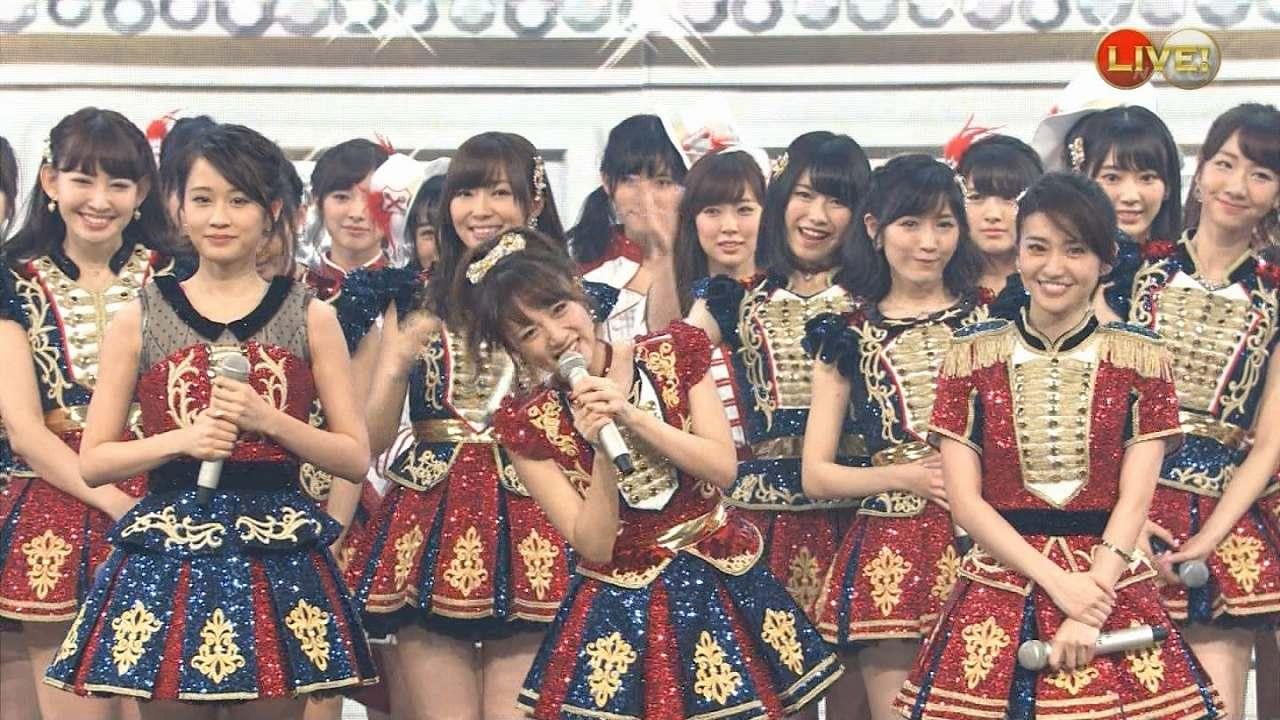 「第66回NHK紅白歌合戦」にサプライズ出演した前田敦子と大島優子